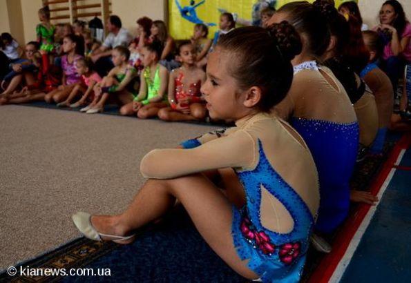 Как сделать шишку для художественной гимнастики